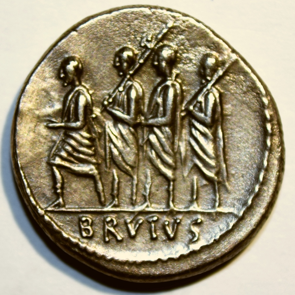 Denarius showing L. Iunius Brutus as 1st Consul w/attendants